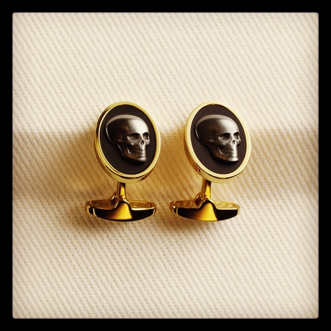 Our Sunday fix? These skull cufflinks by Paul Smith. SHOP at: http://bit.ly/RjlB5J
