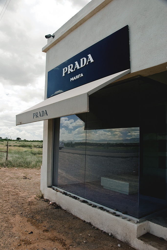 drugera:  Prada. Marfa, TX | Source |