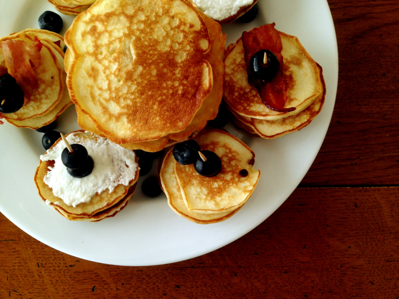 escapenotice:  We made some mean pancakes this morning.