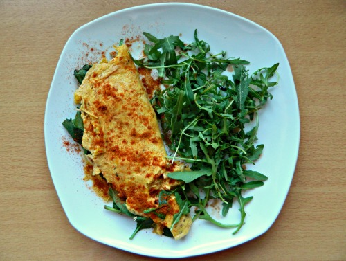 "seedsnsmiles:  Omelette (2 whole, 1 white) filled with spinach and tuna, cooked in coconut oil, with paprika and wild rocket with balsamic. A couple of you lovely people have messaged me about the elimination diet/cutting out foods for acne and have all been very helpful! Hence why I'm eating eggs - y'all have said they're okay. I've ordered a book about the ""Whole 30"" diet as quite a few of you swear by it to help acne. So thank you for all the help! :D"