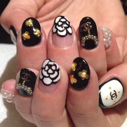 Late night nail party for Donne's birthday #nailart #gel #pearls #chanel #big25