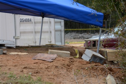 Details emerge of mock bunker in Alabama hostage's rescue (Photo: FBI) As residents of Midland City, Ala., Tuesday celebrated the freeing of a 5-year-old Alabama boy held hostage for nearly a week, details emerged about the daring operation that freed him. A law enforcement source close to the investigation confirmed to NBC News on Tuesday that federal agents practiced their intricate rescue plans not far from where the kidnapper, 65-year-old Jimmy Lee Dykes, held the little boy. Read the complete story.