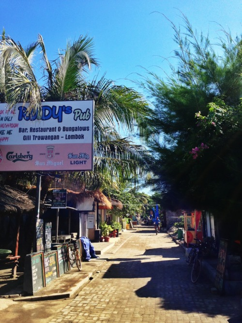 le-petit-aesthete:  The quiet streets of Gili Trawangan in the morning. No traffic to speak of, and most are konked out after the reverie the evening before!