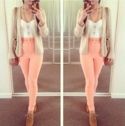 cute outfits selfie