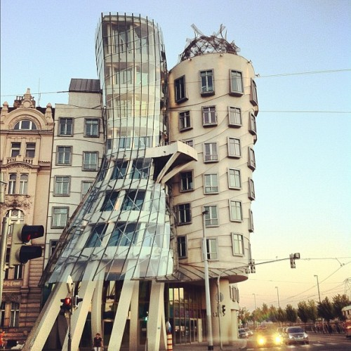 Tančící dům (Dancing House), Prague (via Photo by marymoon_iphoto)