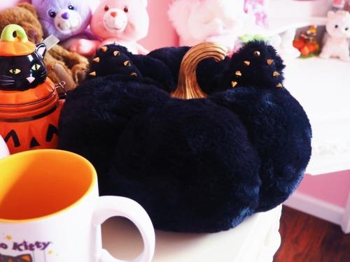 Eeee! So cute! I got a plush velvet pumpkin with cat ears!! Soooo purr-fect! 🎃🖤🎃🖤🎃🖤🎃🖤🎃🖤🎃🖤 . #spookyvibes #catpumpkin #halloweenseason #halloweenobsessed #pumpkin #spookycute #spooksandscares #spookyseason #magick #halloween #carebear #margaritabloom #spooky #halloweenforever #witchythings #witchy #witchyvibes #magic #halloweeen365 #everydayishalloween #witchylife #halloweenlover #halloweeninspo #halloweenforever #spooktober #september #cuteandspooky #halloweenspirit #halloween🎃 #halloweenislife  #spookyseasonforever  https://www.instagram.com/p/CTvbLttAeVC/?utm_medium=tumblr #spookyvibes#catpumpkin#halloweenseason#halloweenobsessed#pumpkin#spookycute#spooksandscares#spookyseason#magick#halloween#carebear#margaritabloom#spooky#halloweenforever#witchythings#witchy#witchyvibes#magic#halloweeen365#everydayishalloween#witchylife#halloweenlover#halloweeninspo#spooktober#september#cuteandspooky#halloweenspirit#halloween🎃#halloweenislife#spookyseasonforever