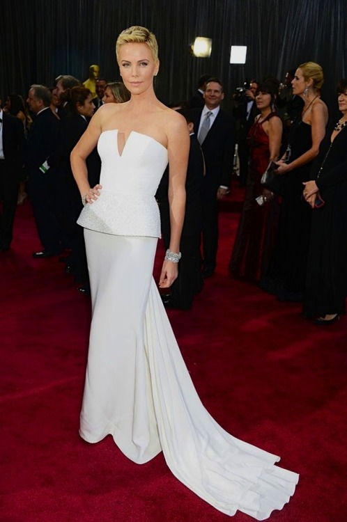 pardonmyfrenchkiss:  Charlize Theron | 85th Annual Oscars
