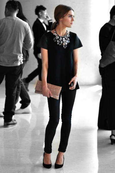 v-ega:  stylish-fashionista:  not my picture just my edit  i want her necklace