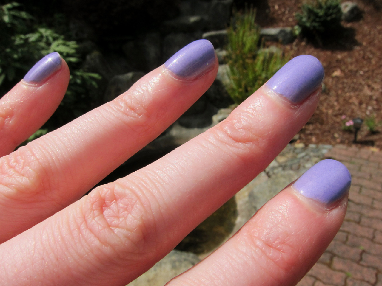 aida's closet: Beauty corner: 5-minute manicure - periwinkle denim