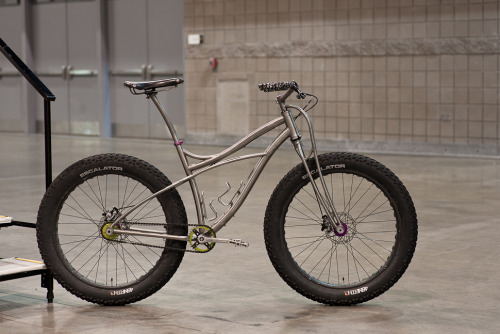 titsandtires:  (via 2013 NAHBS: Black Sheep Fat Bike - PROLLY IS NOT PROBABLY)