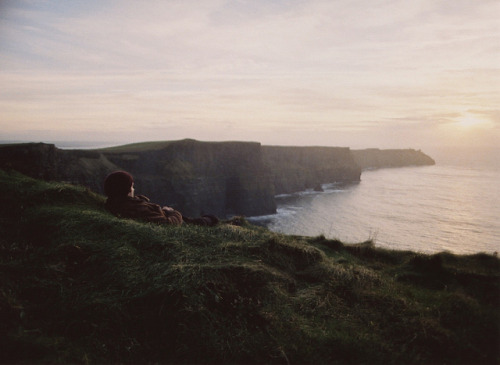 whimsicaljane:  restaurer:  exploring the irish coast by shawn lenker on Flickr.  i want to escape somewhere like that …