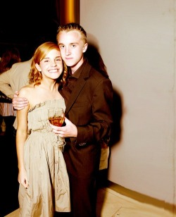 maybe-a-muggle:  Little Tom and (super excited) Emma at a party.  all of the harry potter