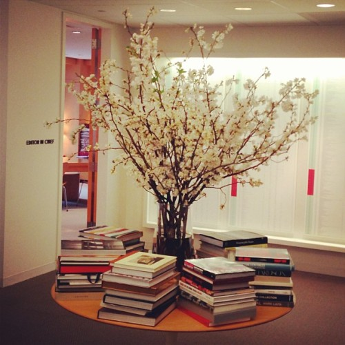 vanityfair:  A lovely cherry blossom arrangement from @JCrew's Jenna Lyons on display at our New York HQ!