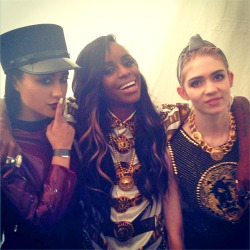 iamnataliakills:  iamnataliakills  Back stage with bad bitches@Alaskayxxng & Grimes at the Versace party! #TripleTrouble (photo by@jgopez)