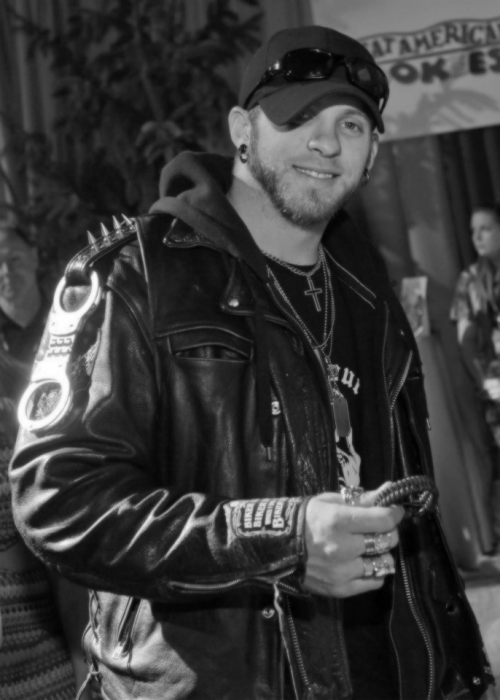 anarchy-c0bain:  Favorite photos of Brantley Gilbert