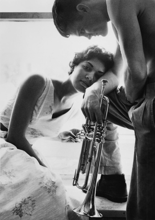 fusehorizons:  Chet Baker and Haleema Alli Taken by William Claxton