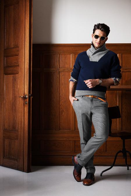 GANT BY MICHAEL BASTIAN. For a man who continues to out do himself each year with his collection, he has certainly set the bar high for his GANT collection. For his Fall 2013 Menswear collection Bastian went all american and hit the nail right on the head with his mix of sweaters and fitted trousers. GANT on its own does very well, with putting that subtle edge on the american prep that almost makes it okay to say preppy again. What I love most though is the pop of color in each outfit, the burgundy cargo trouser in the last outfit is amazing and the color is perfect to add that certain touch to any neutral. May I say I am really never a fan of collard sweaters but the grey and navy shawl collard sweater (center last) has me swooning at. None the less Bastian has created a very solid line that is sure to sell along side his main collection.   Click here to see the full collection; Photo via Style.com