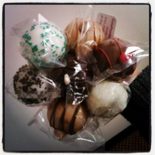Cake pops at work from my VP. I'll let my fam bam enjoy them for me! #food #foodie #foodporn #instafood #dessert #sweets #cakepops #yummy