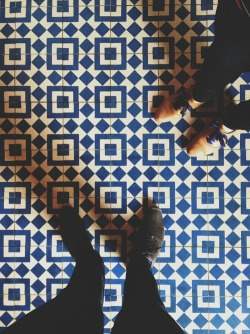slapdashing:  Obligatory Intelligentsia tile floor photo