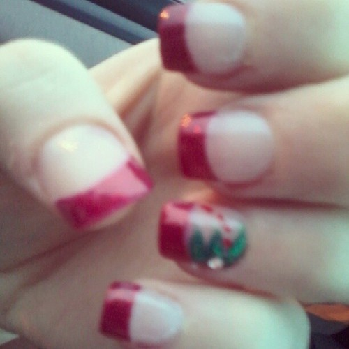 Cwwistmas nailss(: #nails #christmas #instagood #pretty #winter #sparkles #glitter #red #green #gems #fashion #instastyle