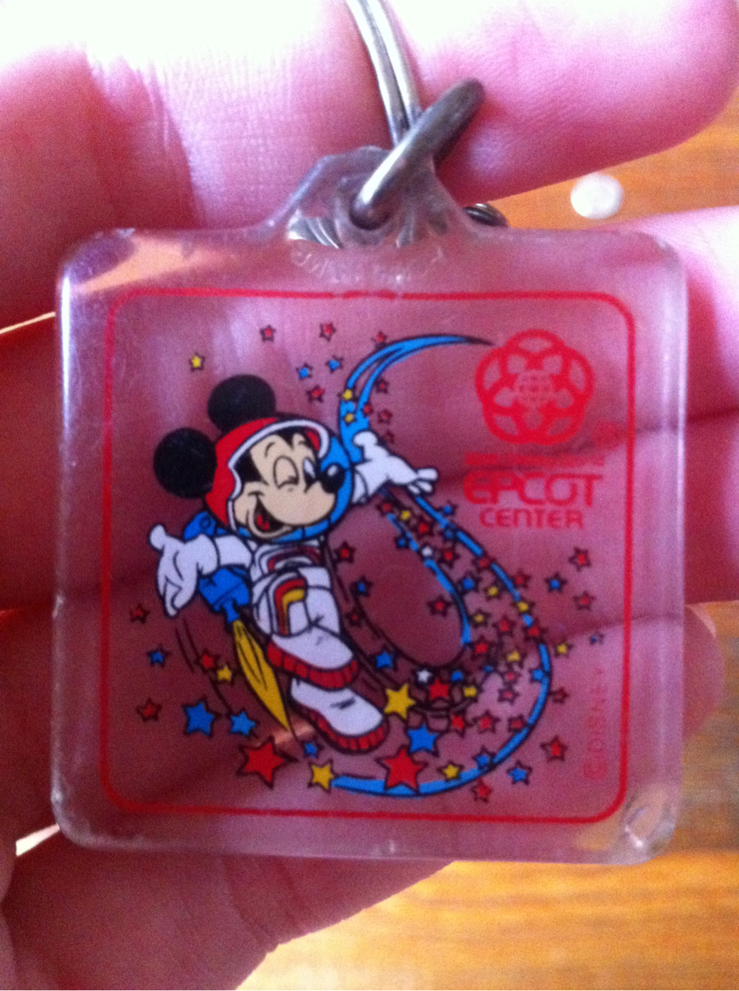 oswald-ears:  Soooo I found this keychain at my grandmom's house. Best keychain ever omg.
