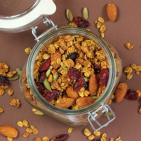 healthier-habits:  Heart Healthy Pumpkin Granola Recipe Link: livlifetoo.blogspot.com Click here for more healthy recipes!