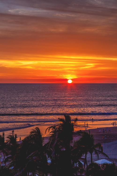 italian-luxury:  Winter Sunset, Acapulco