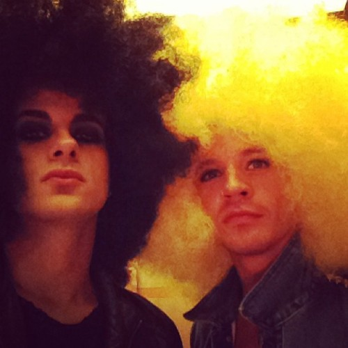 adamsbulge:  tommyjoescissorhands Happy New Year from me and @saulikoskinen   lol