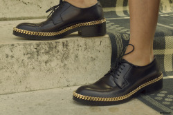 Black oxford shoes with golden chain. Street Style detail. Paris June/2012
