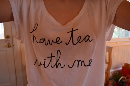 crimson-eleven-delight:  have tea with me <3