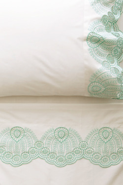 everlytrue:  [Eyelet Embroidered Sheet Set by Anthropologie]