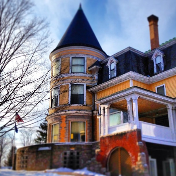 bethtphotos:  In my little town. #library #newengland #victorian