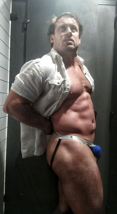 cosplaymuscleslut: