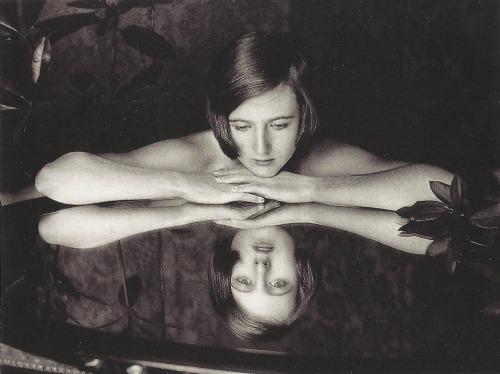 Cecil Beaton- Baba Beaton, 1926