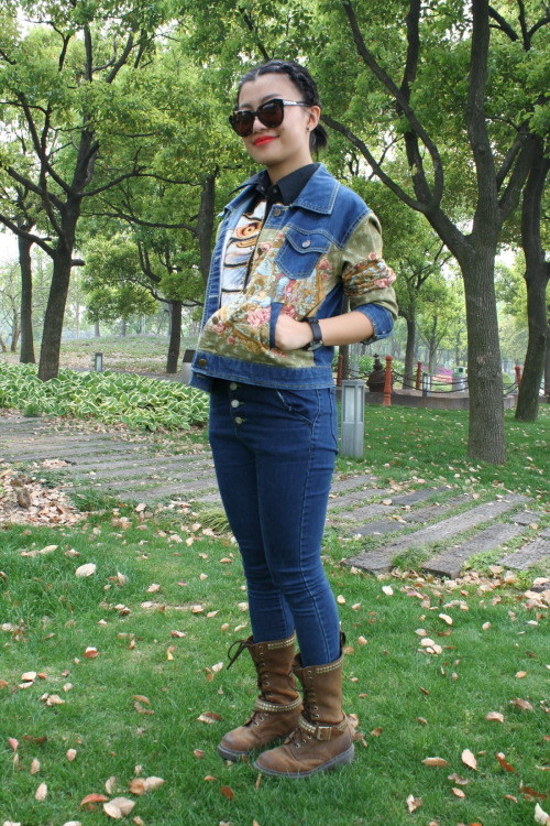 At this year's Strawberry Music Festival in Shanghai, denim on denim styling emerged as a key theme for youth styling. WGSN shot