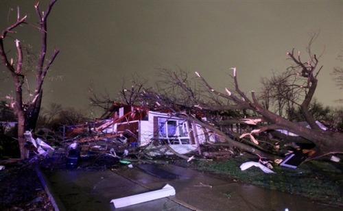 Homes leveled as storms rip through Missouri, Arkansas (Photo: David Carson / Post-Dispatch via AP) A forceful storm system whipped tornadoes and severe thunderstorms across Missouri and Arkansas late Wednesday, wrecking homes, downing power lines and injuring multiple people in both states. Read the complete story.