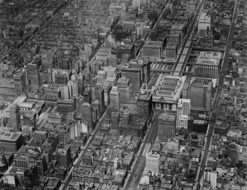 archimaps:  Aerial view of Midtown in 1920, New York City