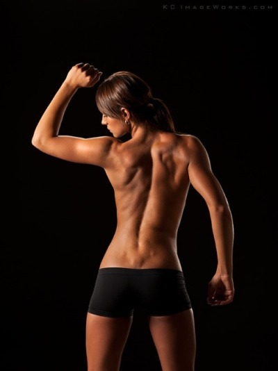 fat2skinnyfast:  great muscle definition!