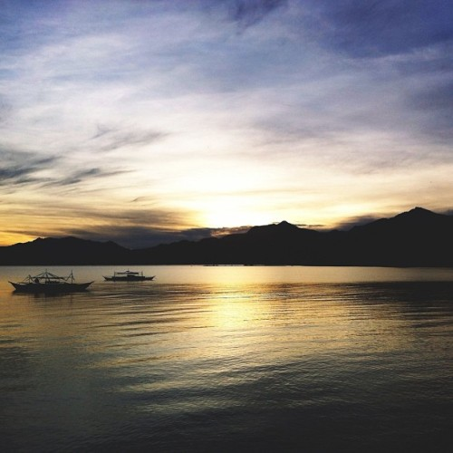 Waiting for sunrise (at Sabang, Palawan)