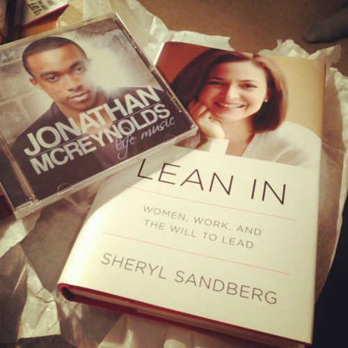 Thanks babe! #sherylsandberg #Jonathanmcreynolds #gifts , my guy is ahmayzing Xx