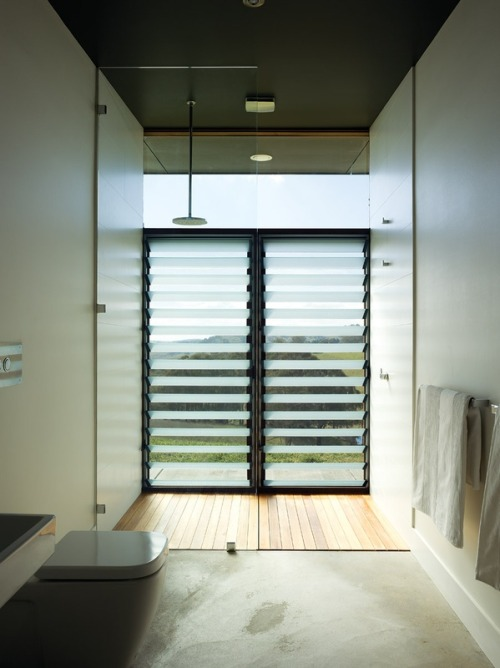 hampton farmhouse | bathroom ~ noxxon giffen architects