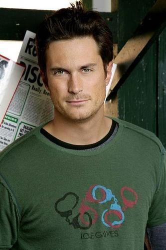 Another beautiful source of inspiration. Oliver Hudson. His character in Rules of Engagement is tremendously fuckable. Beautiful AND dumb as a rock. Elf, definitely.
