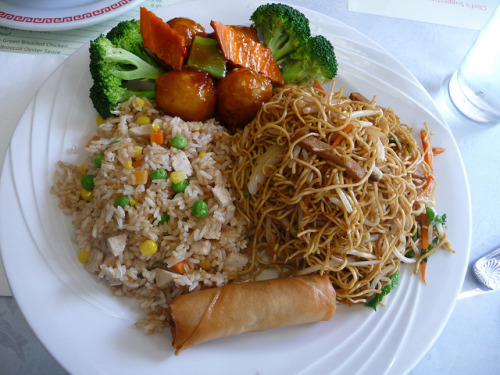 vegan-yums:  Meal at Bamboo Garden, Seattle by veganbow on Flickr.