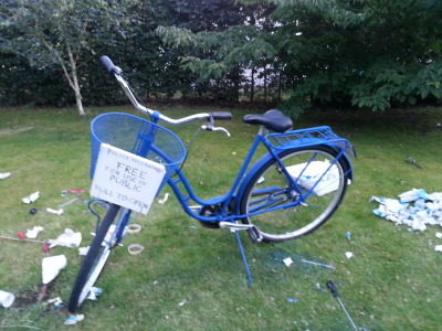 "totallyfubar:  edgebug:  courfeyracattack:  SOMEONE STOLE MY TARDIS BIKE! So some dickbag, jerkface, assbutt decided to steal my bike tonight, which is pretty much the worst bike to steal because it's a custom-made TARDIS. At least this increases my chances of finding it again. So please, please, please help me! I use this bike to get around everywhere, to the store, to uni, to my friends! So please, REBLOG this! And if you see it, please send me an ask or an email to dudeiamironman@gmail.com! It was stolen in Lund, Sweden on the night between April 13 and 14. If you see or hear anything, please send me an ask! There's a reward. Anyway, please reblog this and signal boost!   I know I've got some Swedish followers…  You literally put ""free for use of public"" on your bike and didn't expect someone to take it? Fucking seriously?"