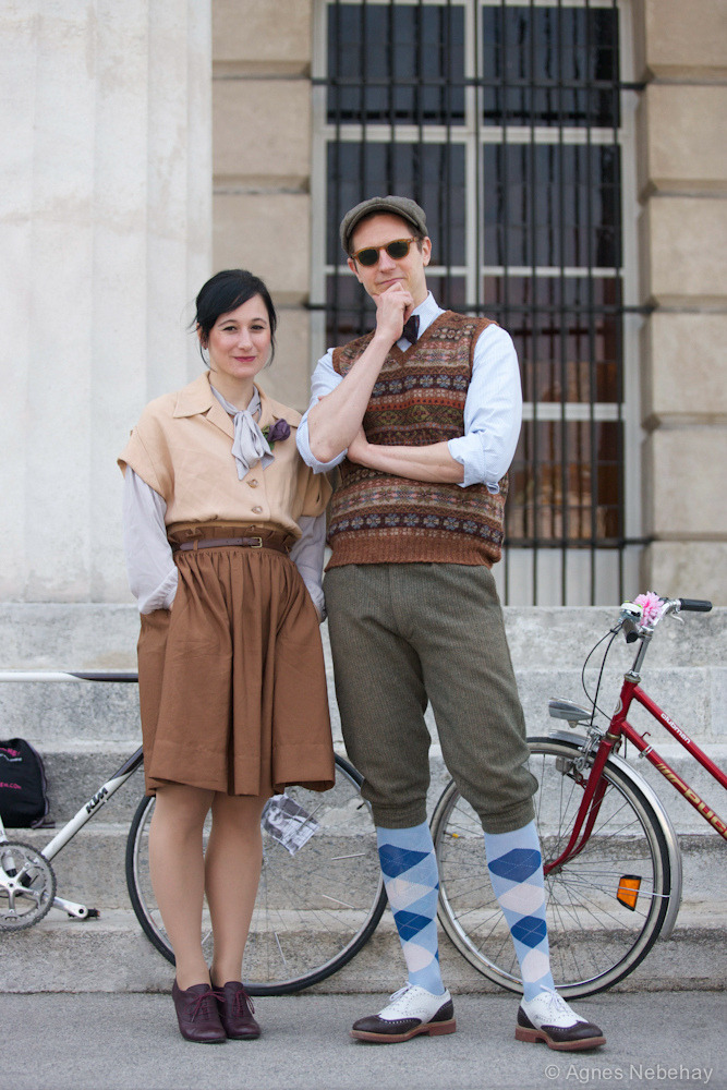 Mr. & Mrs Tweed (by Vienna Cycle Chic)