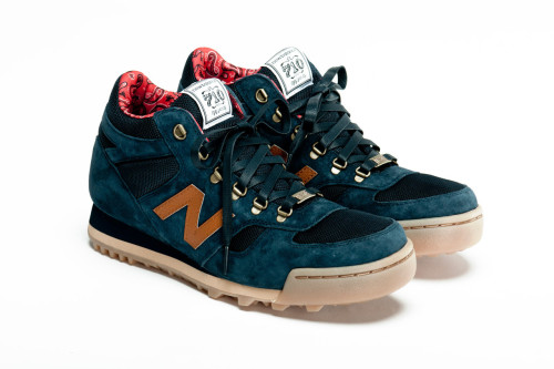 Herschel Supply Co. x New Balance Collection A few days ago we had the preview and now we have got the official unveiling of the Herschel Supply Co. x New Balance Collection. In the collection there are shoes and bags to choose from. Herschel have added their own touches to the New Balance classics, H710 hiking boots and 420 running shoe. They've used their signature lining in each shoe with customised tongues and insoles.  Available soon from select retailers.