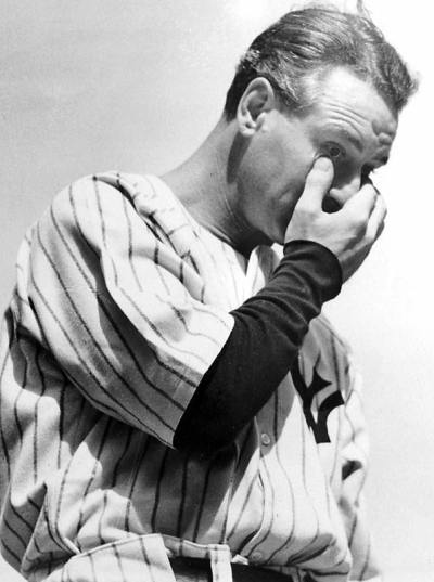 this-day-in-baseball:  May 2, 1939 Lou Gehrig's consecutive-game streak ends at 2,130 when he voluntarily benches himself for the good of the team. His replacement, Babe Dahlgren, hit a homer and a double in the game, and the Yankees went on to beat the Tigers 22-2.