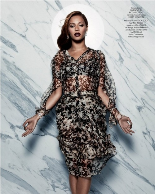 nuriann:  thequeenbey:  Beyoncé for CR Fashion Book: Issue #5  nuriann.tumblr.com
