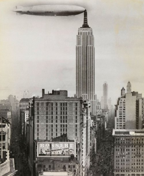 inneroptics:  unknown-Dirigible Docked on Empire State Building, New York1930