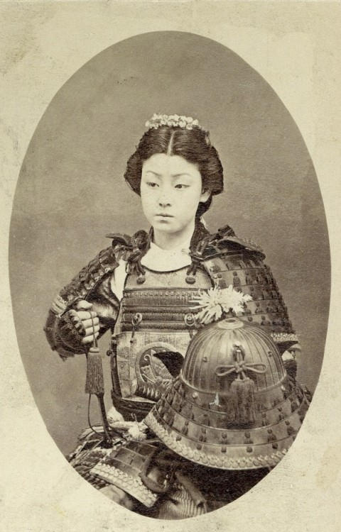 "lostsplendor:  Onna-Bugeisha: Japan, 19th Century (via Imgur) ""An onna-bugeisha (女武芸者) was a type of female warrior belonging to the Japanese upper class. Many wives, widows, daughters, and rebels answered the call of duty by engaging in battle, commonly alongside samurai men. They were members of the bushi(samurai) class in feudal Japan and were trained in the use of weapons to protect their household, family, and honor in times of war. They also represented a divergence from the traditional ""housewife"" role of the Japanese woman. They are sometimes mistakenly referred to as female samurai, although this is an oversimplification. Onna bugeisha were very important people in ancient Japan. Significant icons such as Empress Jingu, Tomoe Gozen, Nakano Takeko, and Hōjō Masako were all onna bugeisha who came to have a significant impact on Japan."" via Wikipedia"